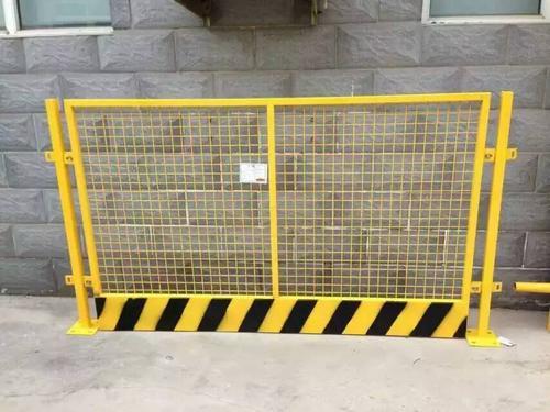如何在工地上正确装置基坑护栏